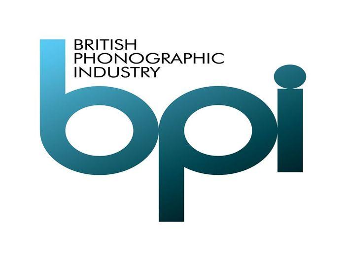 Gran Bretagna: lo streaming supera i 500 milioni di unità alla settimana