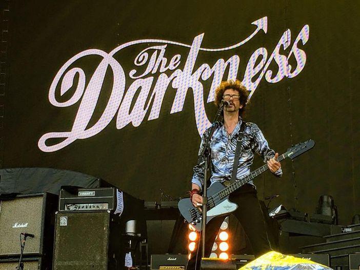 Darkness, già fuori dal gruppo la nuova batterista Emily Dolan Davies