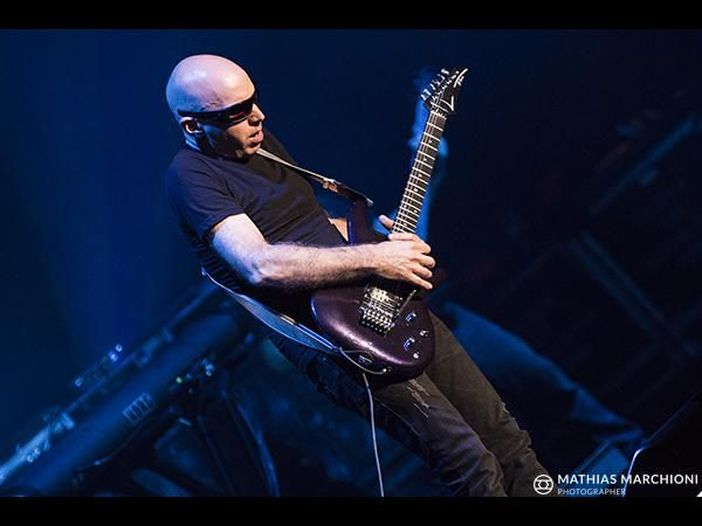 """Da riscoprire: la storia di """"Not of this earth"""" di Joe Satriani"""