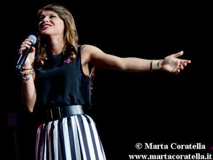 Alessandra Amoroso, fuori il primo singolo in lingua spagnola 'Grito y no me escuchas' - ASCOLTA