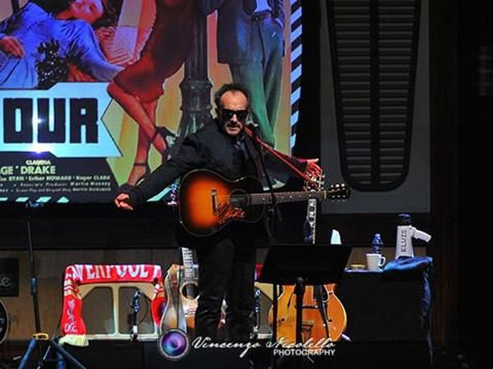 Concerto per Linda McCartney, intervista a Elvis Costello