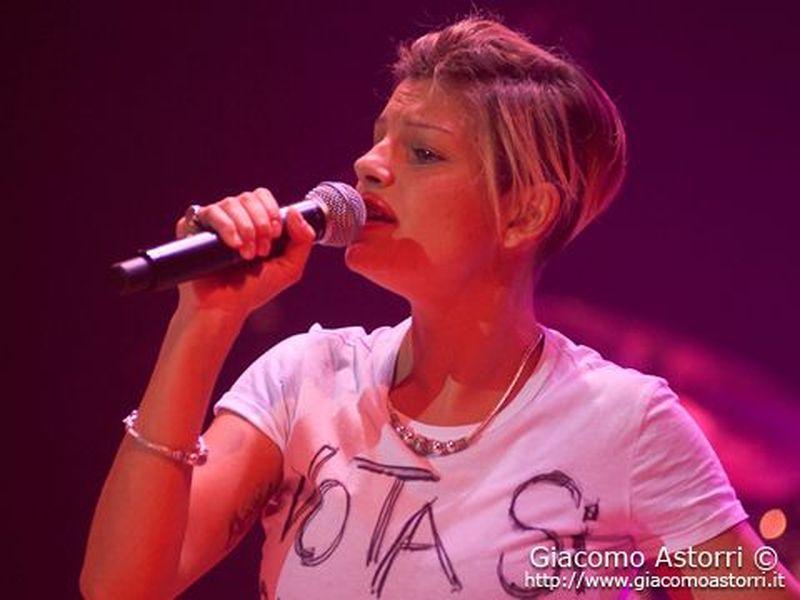 8 Giugno 2011 - PalaSavelli - Porto San Giorgio (Fm) - Emma Marrone in concerto