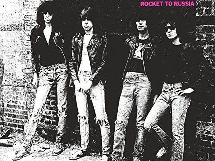'Come un trapano su un molare': la prima, irresistibile descrizione dei Ramones (fatta dai Ramones)