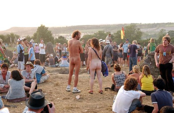 https://a6p8a2b3.stackpathcdn.com/Fz9K7zGC7ey1ZtxqxBPqH9YxVd8=/700x0/smart/https%3A%2F%2Fi2-prod.dailystar.co.uk%2Fincoming%2Farticle22255461.ece%2FALTERNATES%2Fs615b%2F0_Glastonbury-Festival-2005-Worthy-Farm.jpg