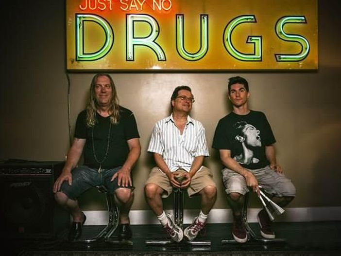 Violent Femmes, ascolta in anteprima 'Memory' dal nuovo album 'We can do anything' - AUDIO