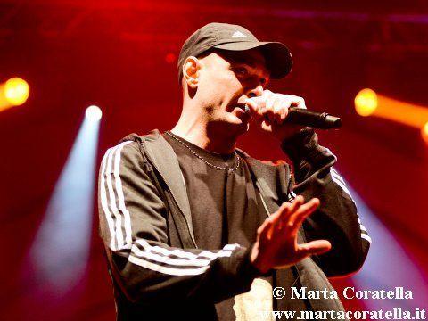 Fabri Fibra contro Valerio Scanu, il rapper commenta la sentenza: 'In Italia il rap lascia ancora interdetti'