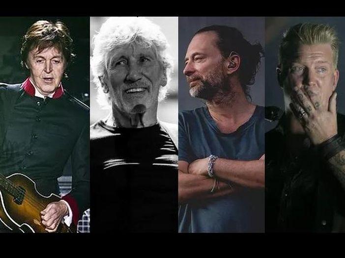 Beatles, Pink Floyd, Radiohead, Ramones, Nirvana, QOTSA e gli altri: le grandi canzoni rock con testi incredibilmente brevi