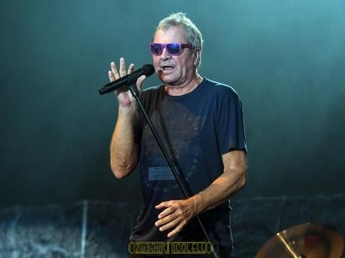 Ian Gillan (Deep Purple), in segreto, è un falegname