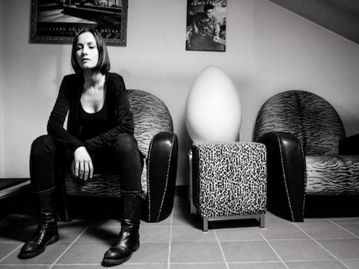 Serena Abrami, 'Forse è culturale' in versione #NoFilter - VIDEO