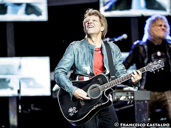 Bon Jovi: guai di salute, concerti posticipati