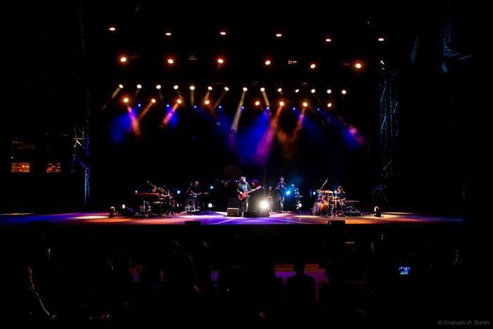 https://a6p8a2b3.stackpathcdn.com/H3XVxMsz_zNUBy7j2KIy2i5jco0=/700x0/smart/rockol-img/img/foto/upload/18-max-gazze-auditorium-parco-della-musica-roma-02072020.jpg