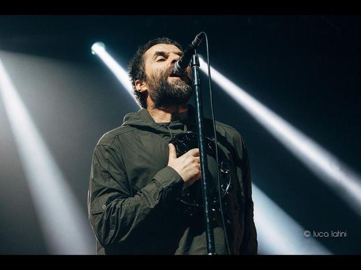 Cile, Liam Gallagher taglia un concerto per problemi di salute: 'Sound orribile, non posso continuare' - VIDEO