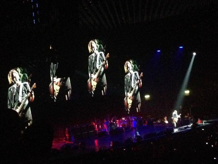 Antonhy Kiedis ferito in un incidente: saltano concerti per i Chili Peppers