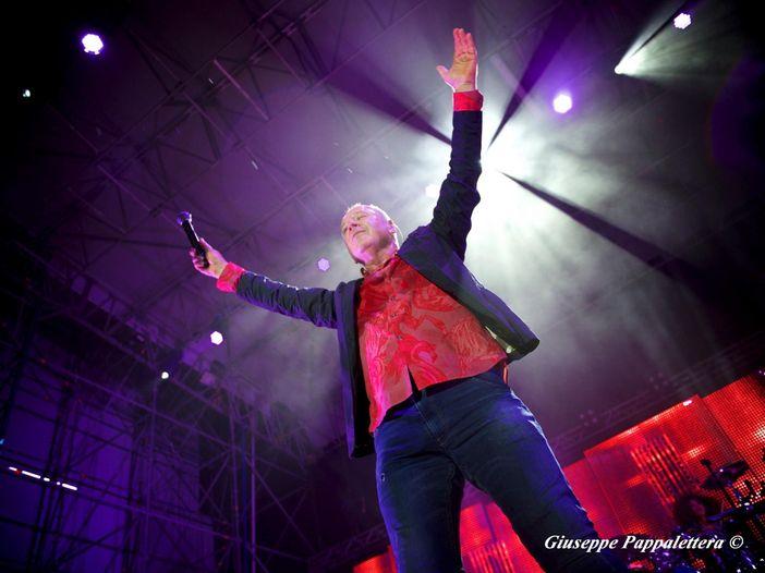 Simple Minds, posticipati al 2022 i concerti in Italia: le nuove date