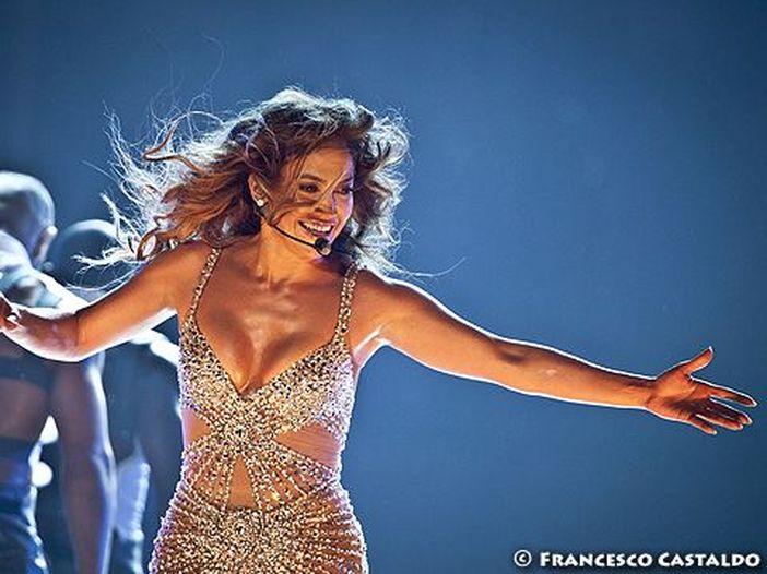 """Jennifer Lopez legge le liriche immortali di """"Baby Got Back"""" (Sir Mix-A-Lot) per """"W"""" magazine - VIDEO, FOTO"""