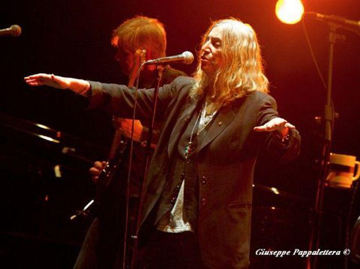 Patti Smith racconta l'esibizione ai Nobel: 'Umiliata da un senso di fallimento'