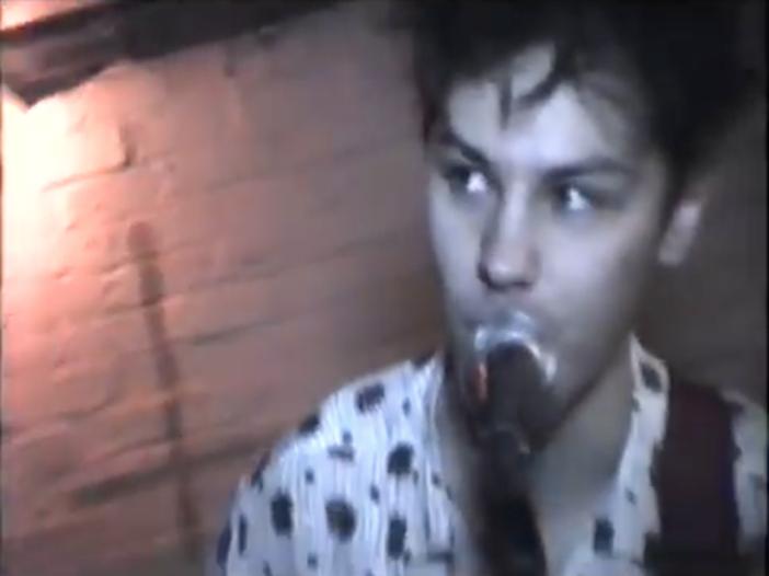 Cade nel fiume e muore: addio al 22enne Gary Watson, promessa della musica indie - VIDEO