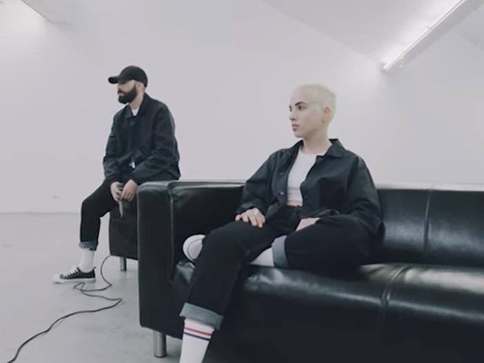 Coma Cose, il duo rap milanese che cita Battisti, De Gregori e Celentano - VIDEO