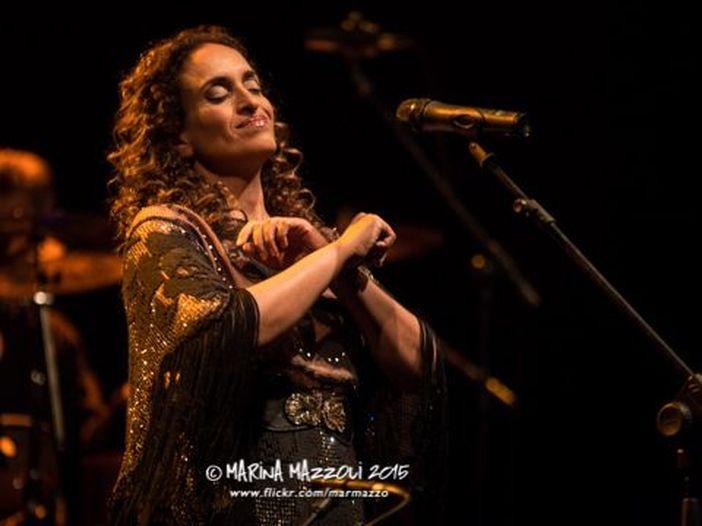 Noa compie gli anni: i suoi migliori duetti con gli artisti italiani