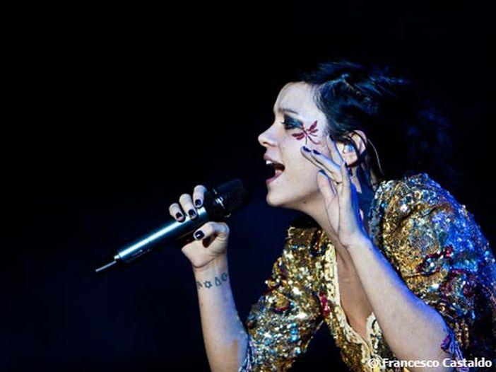 Lily Allen, pubblicate due nuove canzoni: ascolta 'Higher' e 'Three'