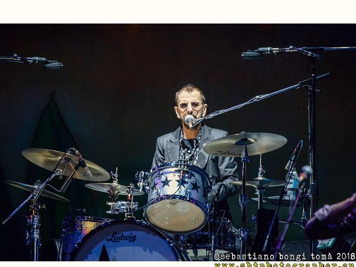 """Ringo Starr e Brian Johnson sulla flatulenza in tour: """"Giusto ammettere la colpa"""""""