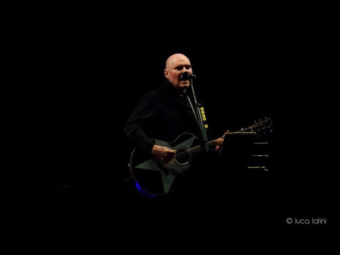 "Billy Corgan: ""Ho pensato al suicidio molte volte, poi ho intrapreso un viaggio spirituale"""