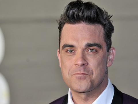 Robbie Williams ammette: 'Mi faccio le canne'