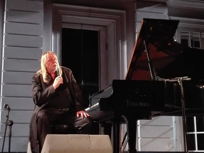 """Rick Wakeman - la recensione di """"Piano Portraits"""""""