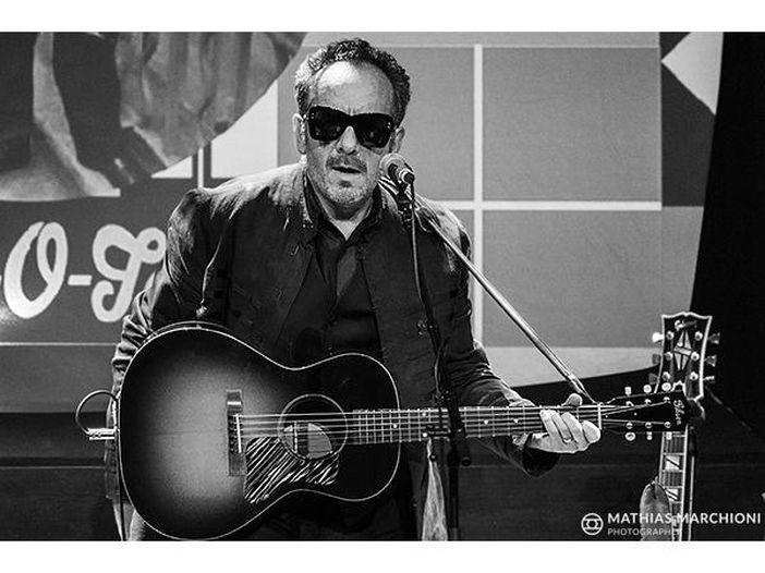 Elvis Costello interpreta la poesia 'I'll Still Love You' di Johnny Cash – ASCOLTA