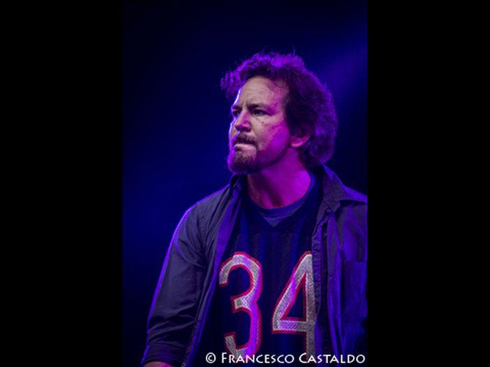 Eddie Vedder, un concerto per 200 VIP a Cannes