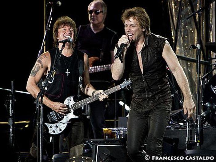 Jon Bon Jovi racconta 'What about now': intervista e video