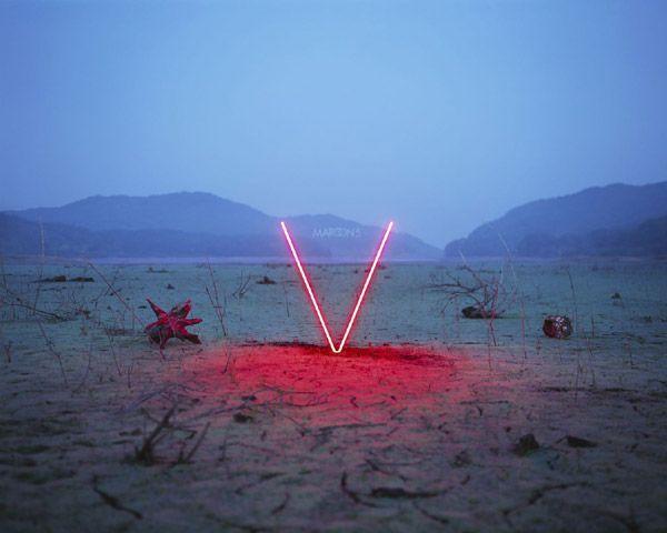Vai alla recensione di V di Maroon 5