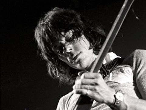 Jeff Beck, nuovo album: in 'Emotion & commotion' classici rock e musica classica