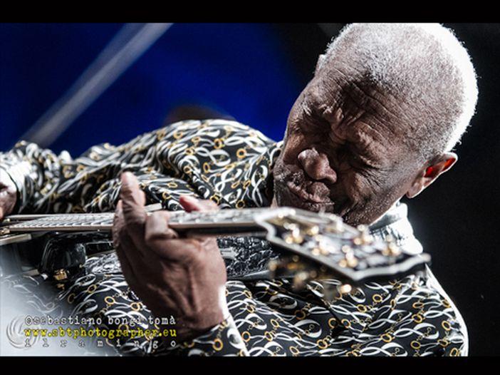B.B. King, a Las Vegas l'addio di Santana e Sambora: oggi a Indianola l'ultimo omaggio al B.B. King Homecoming Festival 2015