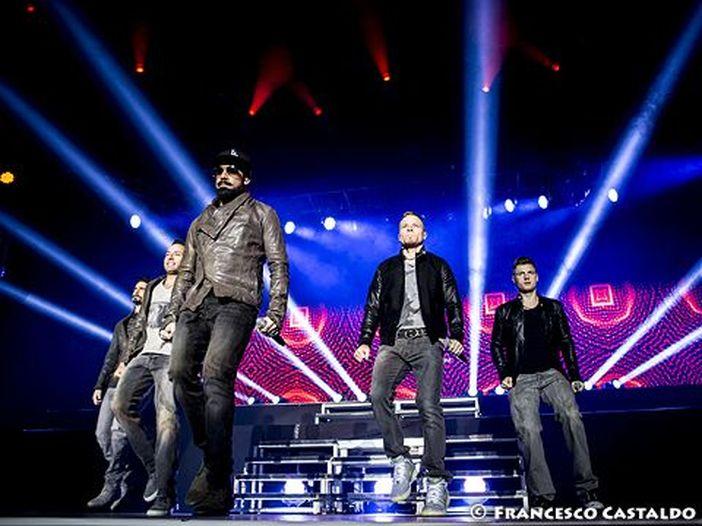 Oklahoma: crolla parte di una tensostruttura, 14 feriti a un concerto dei Backstreet Boys