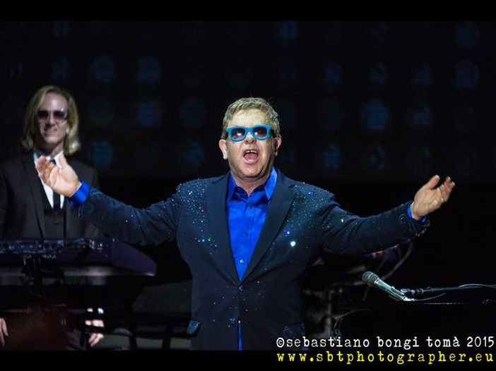 Elton John torna in Italia: due concerti a luglio 2016 per presentare il nuovo album 'Wonderful crazy night'