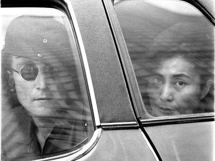 Le canzoni di John Lennon: 'Nobody told me'