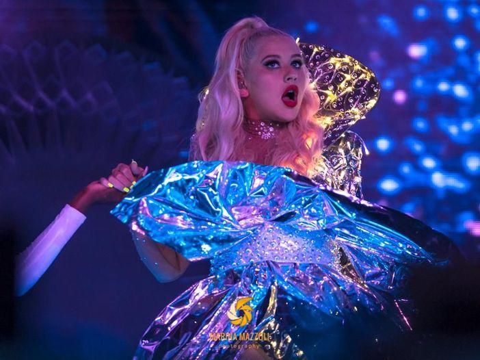 Classifiche britanniche: Christina Aguilera sconfigge gli Eiffel 65
