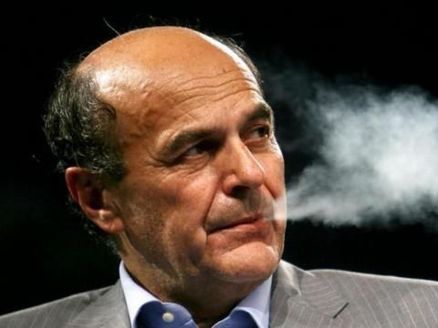 Pierluigi Bersani canta 'Highway to hell' degli AC/DC - VIDEO
