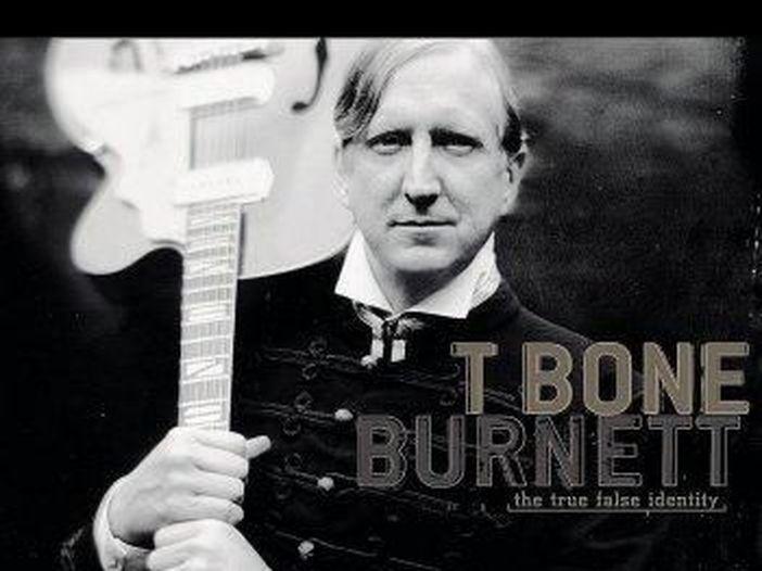 T Bone Burnett: genio della musica americana, tra produzione, cinema e serie TV