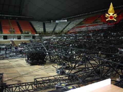 Crollò il palco di Laura Pausini nel 2012: chiuse le indagini preliminari