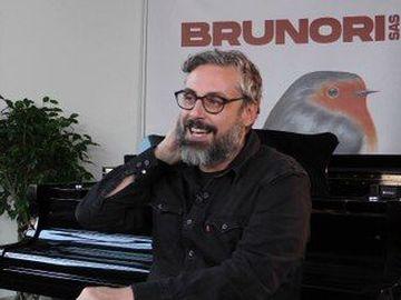 Brunori sas - I dischi e il concerto della vita