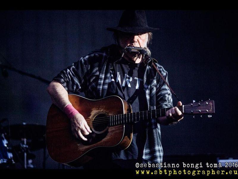 Neil Young: guarda la seconda delle sue 'Fireside Sessions'