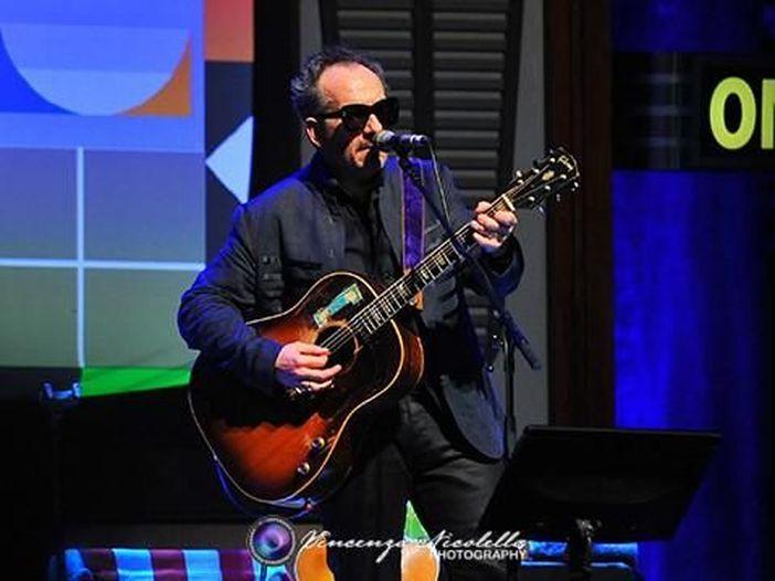 Elvis Costello, una laurea e 12 nuove canzoni con Burt Bacharach