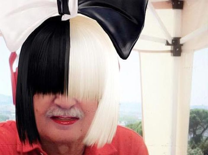 Giorgio Moroder 'travestito' da Sia su Snapchat - FOTO