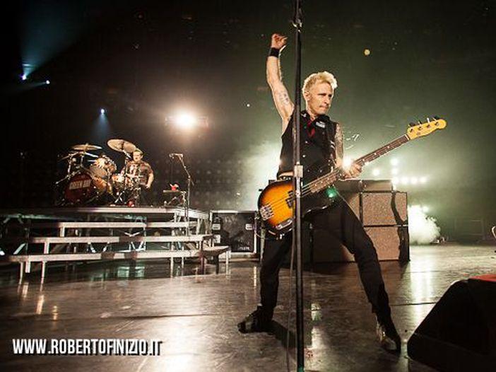 I Green Day annunciano l'uscita del nuovo brano 'Here comes the shock'