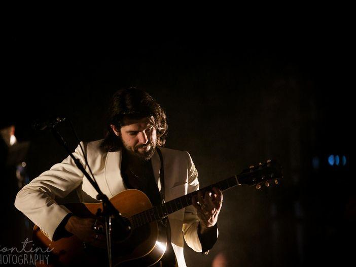 Anche gli Arctic Monkeys omaggiano i Beatles: 'All my loving' (video)