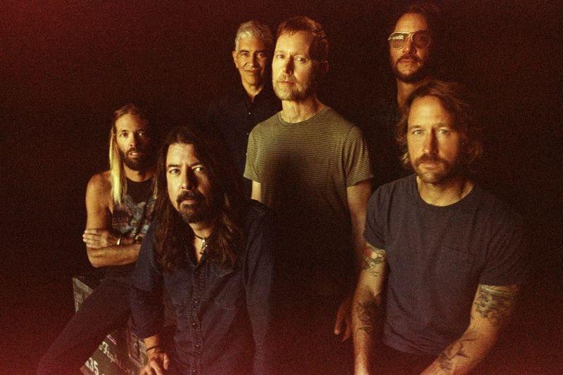 """I Foo Fighters suoneranno il nuovo album """"Medicine At Midnight"""" sul loro canale radio"""