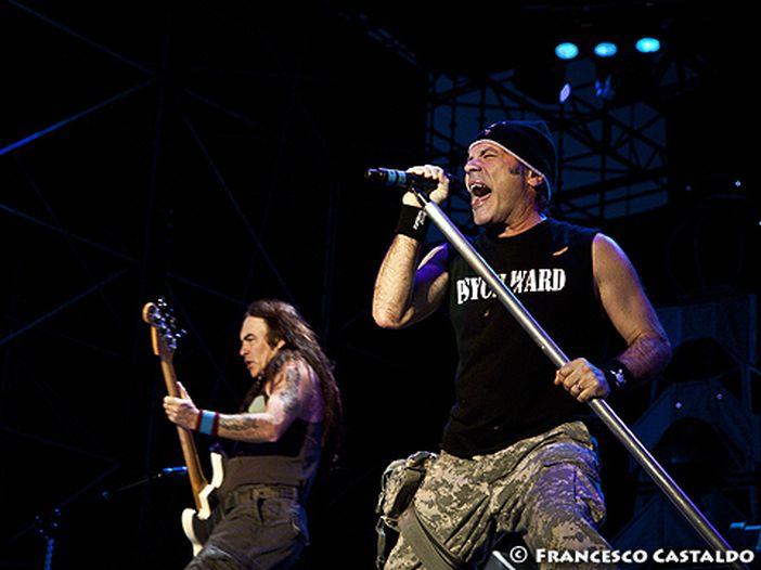 Iron Maiden: il nuovo album è pronto, ma per il lancio si attende Bruce Dickinson