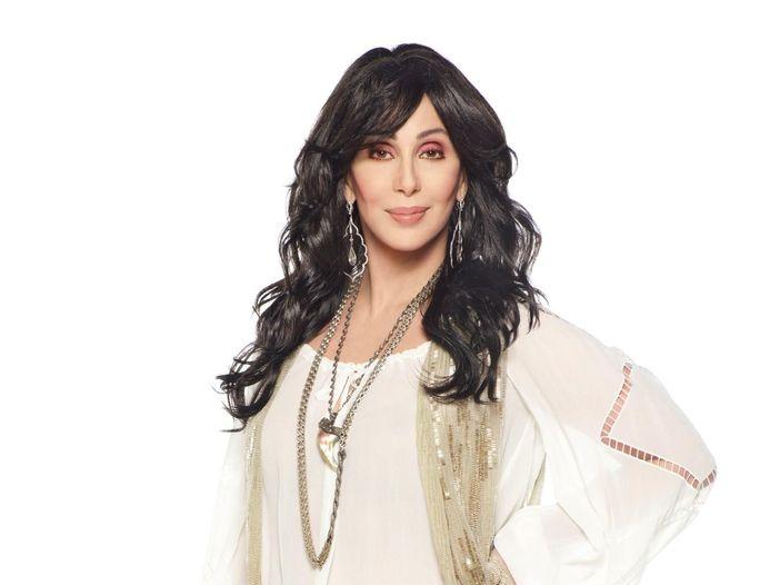 Cher canterà l'inno americano al Super Bowl